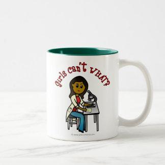 暗い科学者の女の子 ツートーンマグカップ