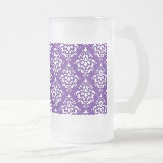暗い紫色の白いヴィンテージのダマスク織パターン フロストグラスビールジョッキ