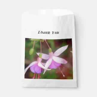 暗い赤紫色の花 フェイバーバッグ