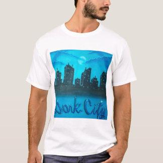 暗い都市 Tシャツ