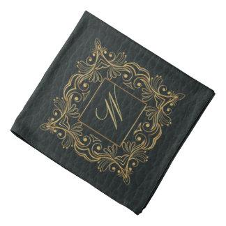 暗い革の装飾用フレームのモノグラム バンダナ