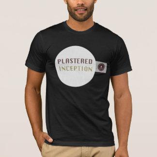 暗いTシャツと決め付けられる塗られたオウム Tシャツ