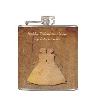 暗く素朴なペーパーレズビアンの妻のバレンタインHipflask フラスク