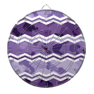 暗く、軽いラベンダーの紫色の迷彩柄シェブロン ダーツボード