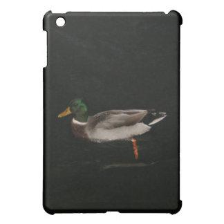 暗闇のマガモのDuchの水泳 iPad Miniケース