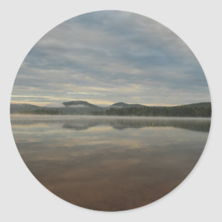 曇った湖 ラウンドシール