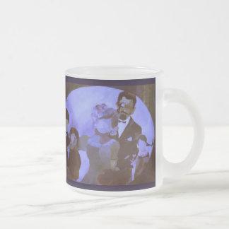 曇らされたガラスのマグ-すみれ色の装飾: 家族のポートレート フロストグラスマグカップ