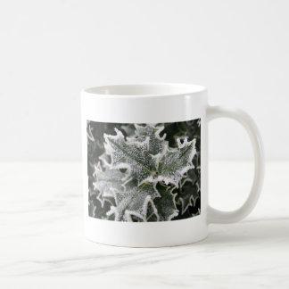 曇らされたヒイラギの葉 コーヒーマグカップ