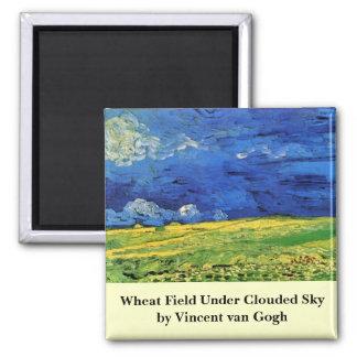 曇らせていた空の下のゴッホの小麦畑 マグネット