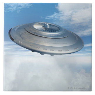 曇り空を通したUFOの飛行 タイル
