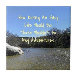 曲がる川の景色の感動的な引用文 タイル