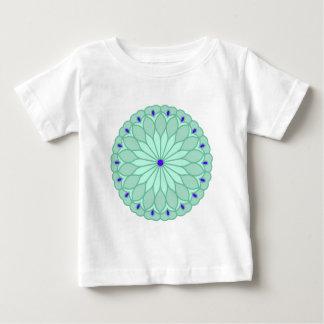 曼荼羅の刺激を受けたな淡いブルーの花 ベビーTシャツ