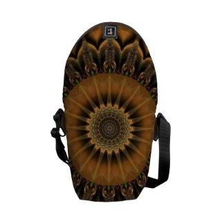 曼荼羅の星の茶色 クーリエバッグ