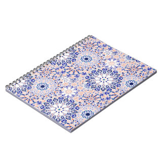 曼荼羅花パターンプリントが付いているノート ノートブック