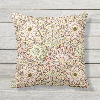 曼荼羅花パターンプリントが付いている枕 アウトドアクッション