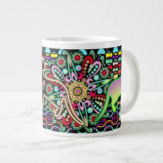 曼荼羅、猫及び花のファンタジーパターン ジャンボコーヒーマグカップ
