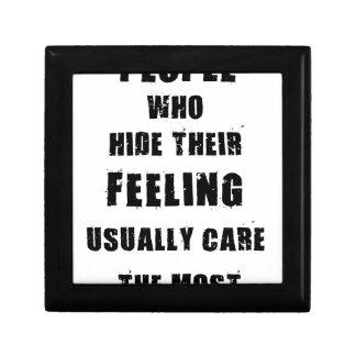 最も通常彼らの心配を感じることを隠す人々 ギフトボックス