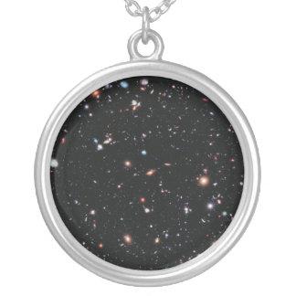 最も遠い銀河系-ハッブルの十年 シルバープレートネックレス