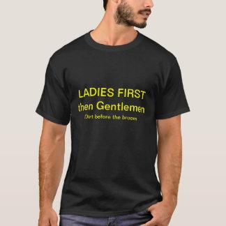 最初に女性、そして紳士 Tシャツ