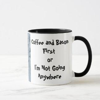 最初にIMG_0318、コーヒーおよびベーコンまたは私はGoi…ではないです マグカップ