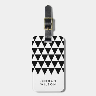 最小主義のモダンで白く黒い三角形の荷物のラベル ラゲッジタグ