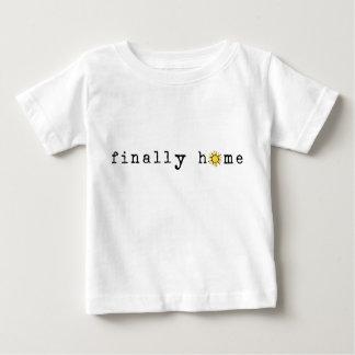 最後に家: 日光 ベビーTシャツ