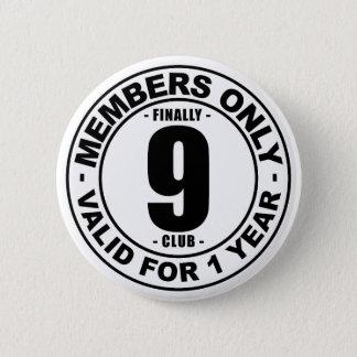 最終的に9クラブ 5.7CM 丸型バッジ