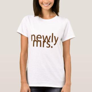 最近夫人。-茶色 Tシャツ
