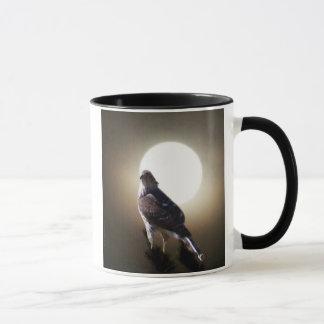 月およびタカ マグカップ
