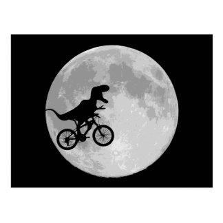 月が付いている空のバイクの恐竜 ポストカード