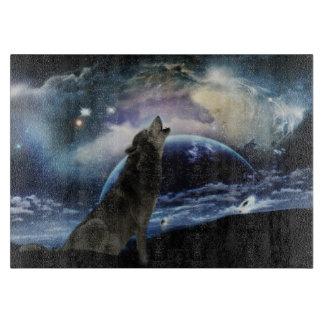 月で遠ぼえしているオオカミ カッティングボード