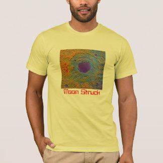 月によって打たれる#5 Tシャツ