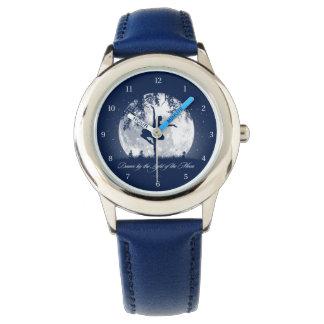 月のダンス 腕時計