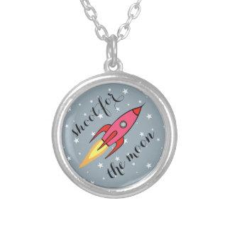 月のピンクレトロのRocketship及び星のためのシュート シルバープレートネックレス
