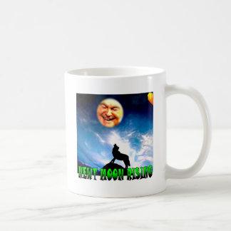 """月のマグのおもしろいな人: """"Newt月上昇""""の コーヒーマグカップ"""