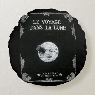 月のヴィンテージの映画館の映画のポスターの広告への旅行 ラウンドクッション