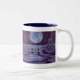 月のヴィンテージの空想科学小説の地球の粗紡機のエイリアン ツートーンマグカップ