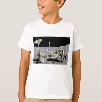 月の粗紡機のTシャツ Tシャツ