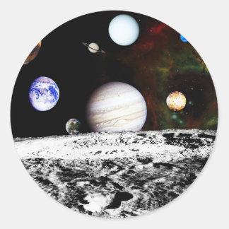 月の表面からの惑星のパノラマ ラウンドシール