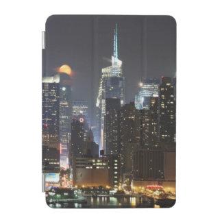 月はミッドタウンニューヨークに上がります。 iPad MINIカバー