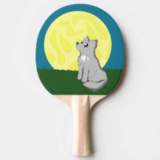 月を持つかわいくだらしないオオカミ 卓球ラケット