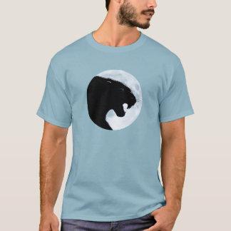 月光のヒョウ Tシャツ