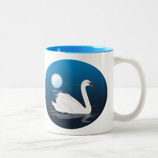 月光のマグの白鳥 ツートーンマグカップ