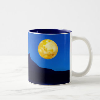 月光の上昇 ツートーンマグカップ