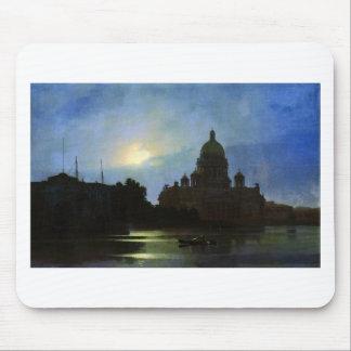 月光夜のアイザックのカテドラルの眺め マウスパッド