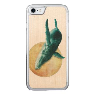 月木に飛んでいるクジラ CARVED iPhone 8/7 ケース