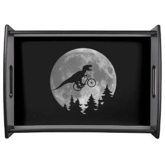 月80sのパロディが付いている空のバイクもしくは自転車に乗る人tのレックス トレー
