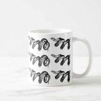 有害なヘビ コーヒーマグカップ