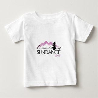 服装、コーヒー・マグ、sundanceのコンサート ベビーTシャツ