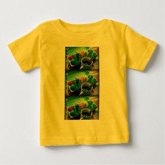 朝のイースターエッグ ベビーTシャツ